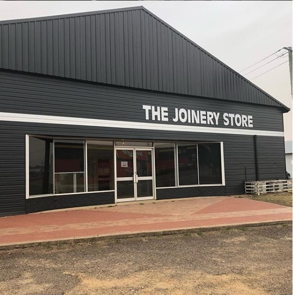 Store front. 318 Boorowa St, Young.
